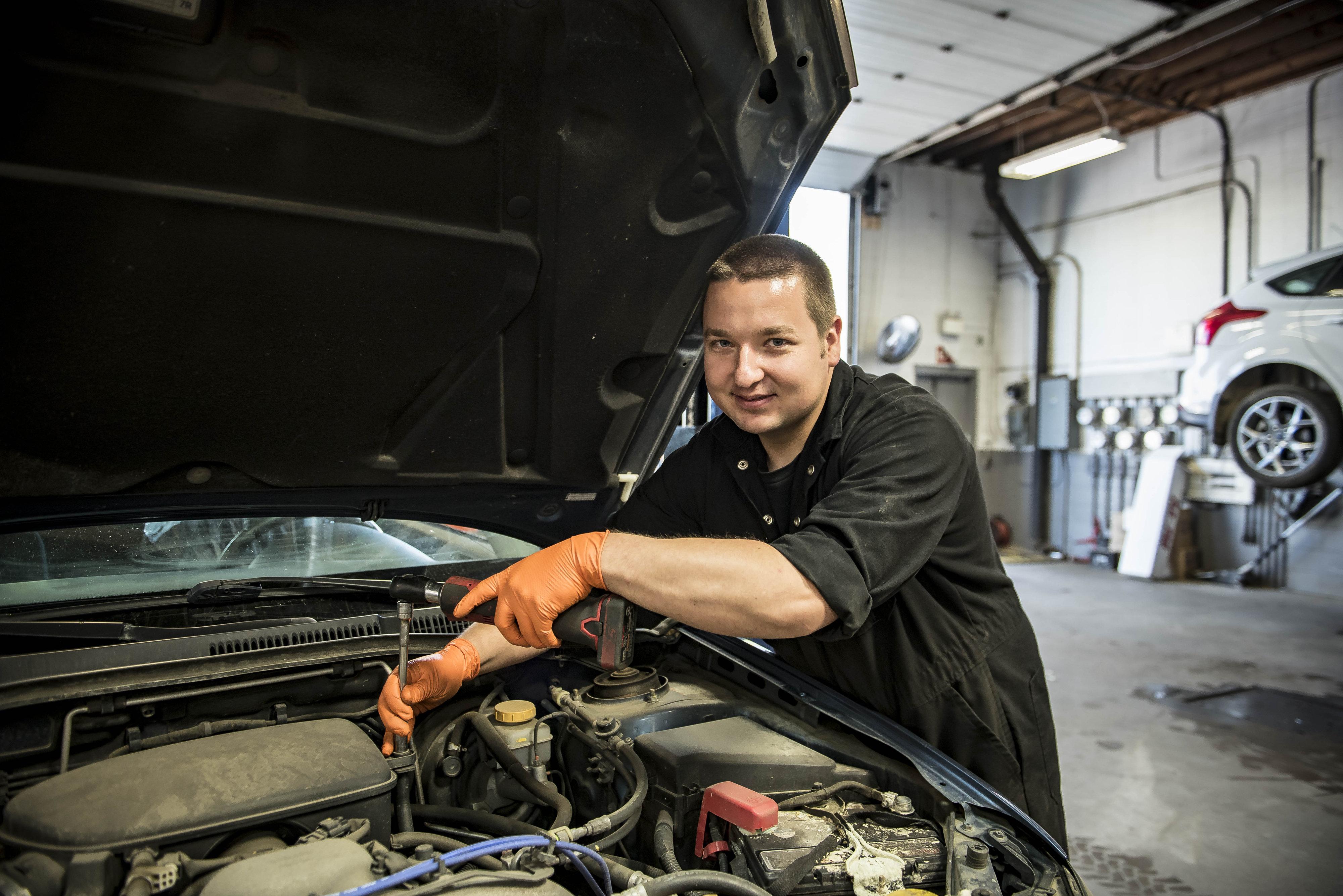 Diesel Repair Shop In Edmonton Revolution Motors